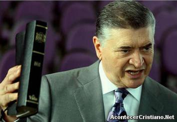 Pastor evangélico Evelio Reyes