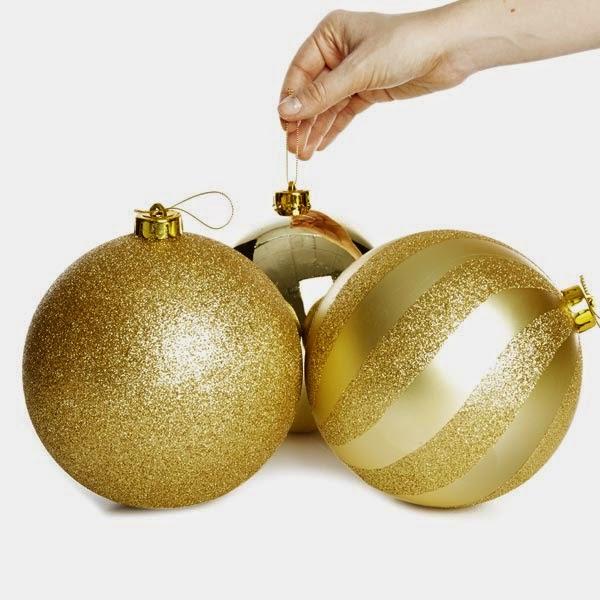 Primark online: bolas doradas de tamaño maxi para decorar en Navidades