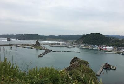 エンルム岬から見る親子岩