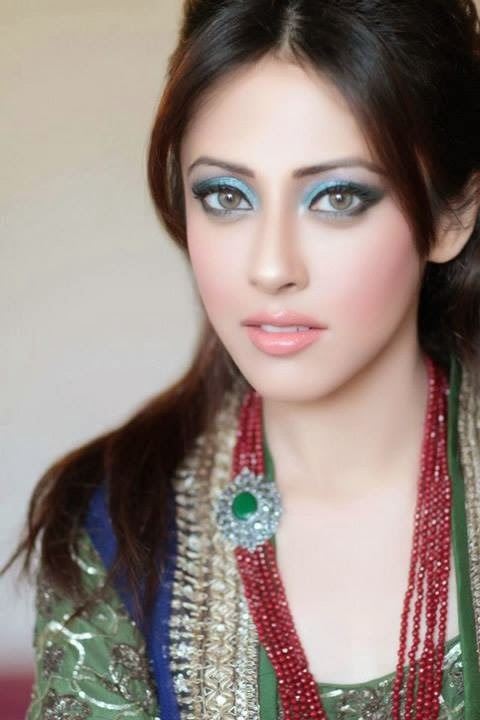 Latest Trend Of Party MakeUp For Indian And Pakistani