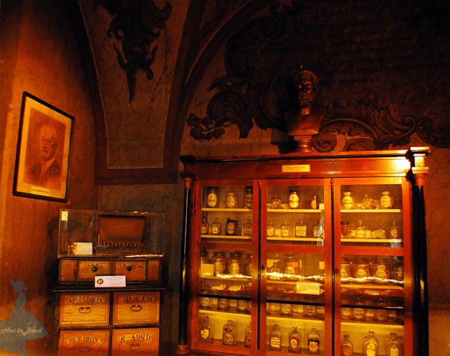 officina muzeul farmaciei cluj