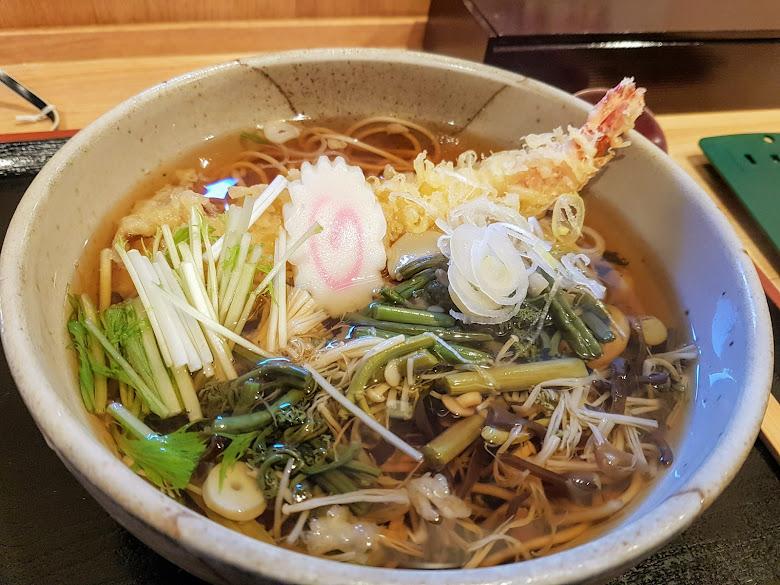 紅葉屋吃午餐-炸蝦山菜麵