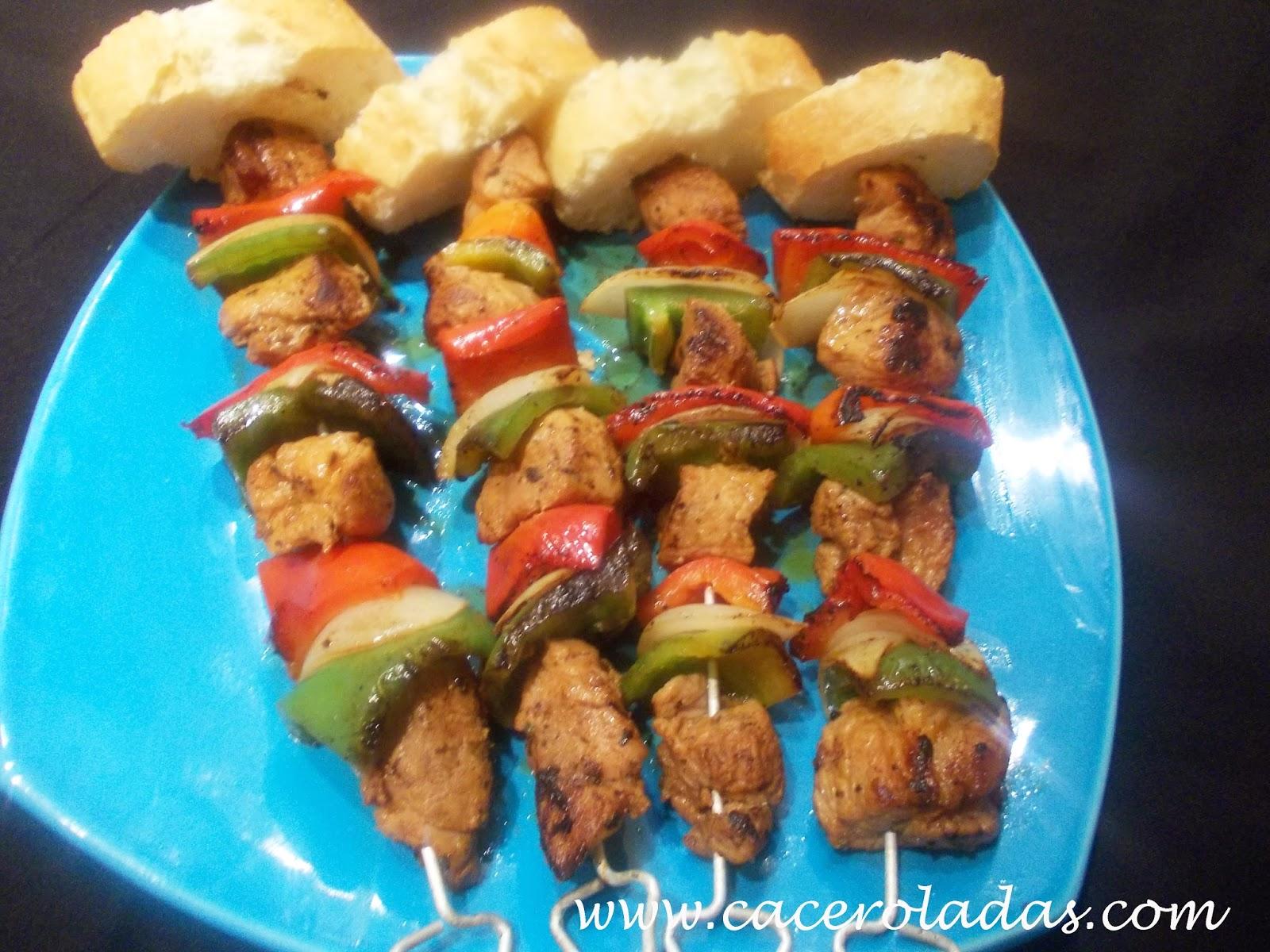 Pinchos morunos de cerdo y verduras (caseros)