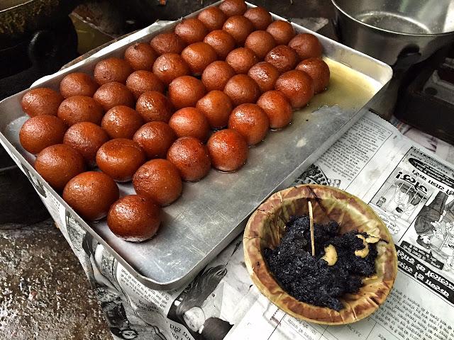 gulabjamuns street food lucknow chowk
