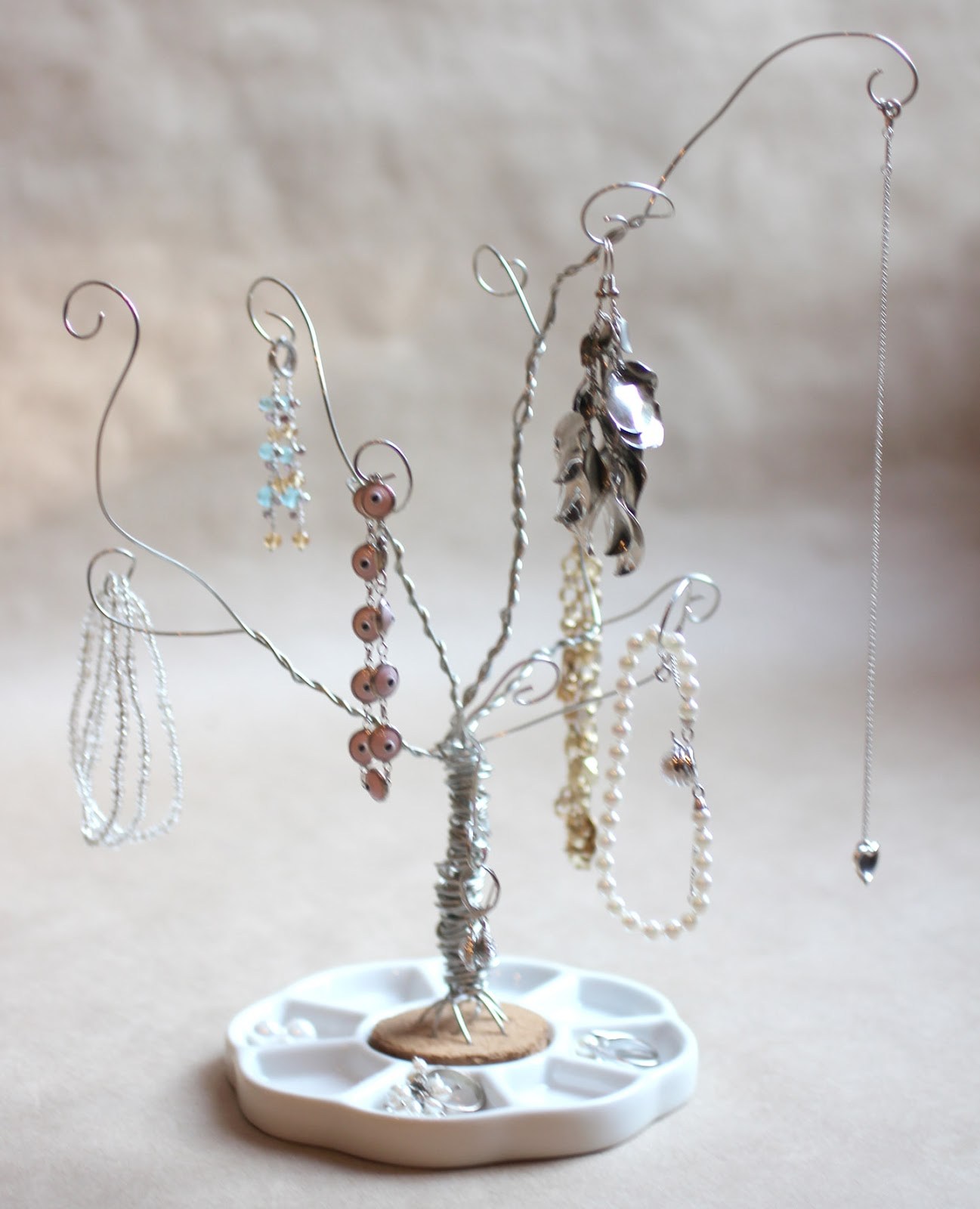 DIY Wire Jewelry Tree - Repeat Crafter Me