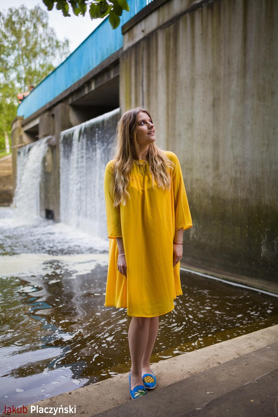 5 żółta sukienka na lato bonprix niebieskie espadryle z ananasem renee shoes reneegirls reneeshoes melodylaniella modnapolka lookbook ootd moda na lato biżuteria piotrowski swarovski