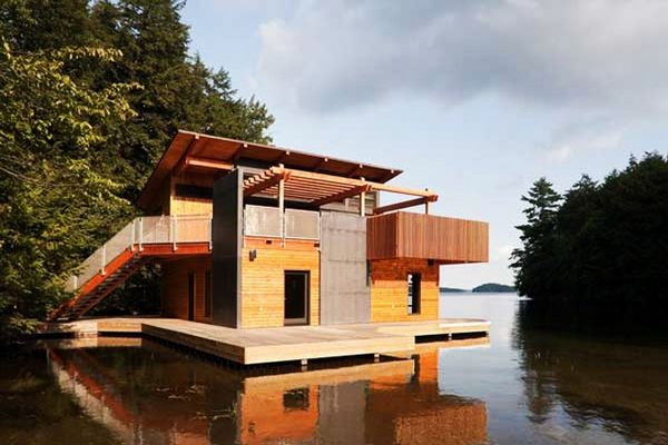 Muskoka Lakes Boathouse by Christopher Simmonds Architects