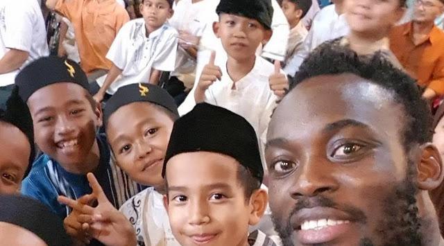 Ucapan Lebaran ala Marquee Player Persib Michael Essien