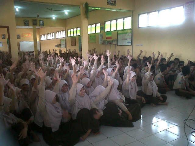 Testimoni Peserta Seminar Motivasi & Hipnoterapi. Presented by:Penerbit Erlangga. Narsum: Oktastika BN