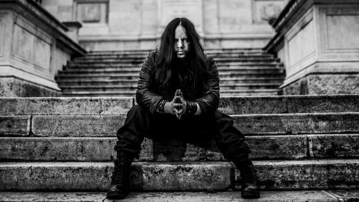Joey Jordison Duduk