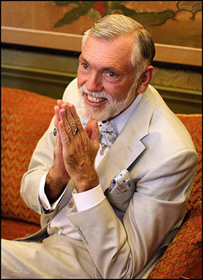 Robert Earl Burton, Fellowship of Friends cult leader and dandy, praying