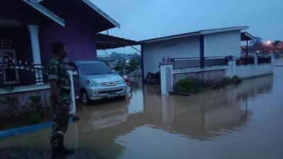 Wilayah Kecamatan Sarolangun Banjir Akibat Debit Air Sungai Meluap