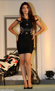 Gauhar Khan Legs In Black Skirt