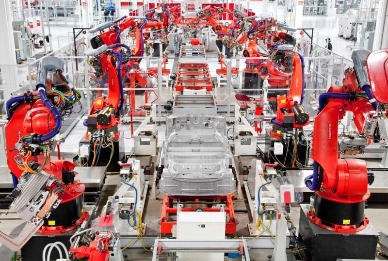Сборочная линия Tesla