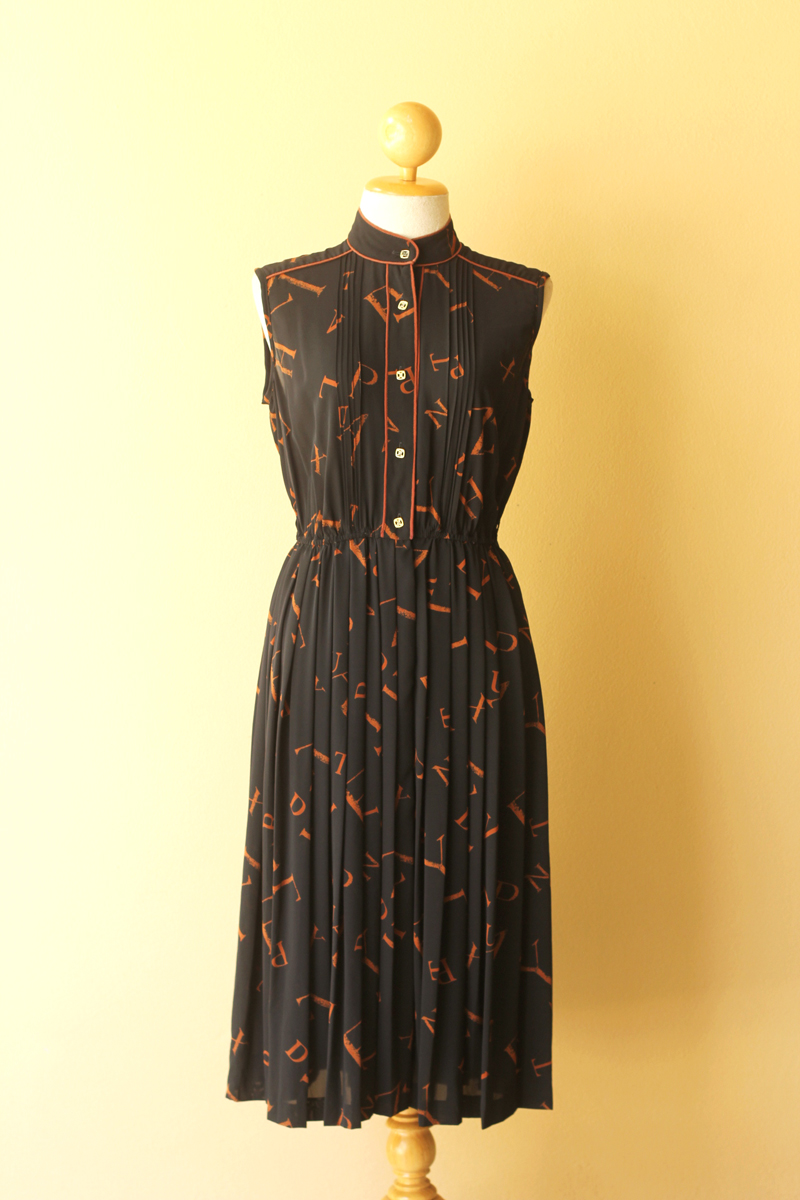 Wholesale Vintage Clothing Distributor Dress Up