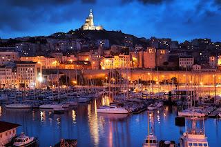 مدينة فرنسية ساحلية