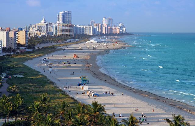 Praia de South Beach em Miami