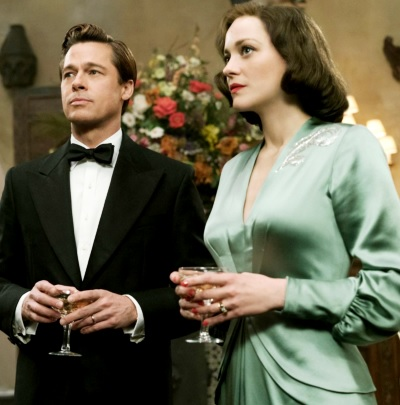 Foto de Brad Pitt al terno junto a Marion Cotillard