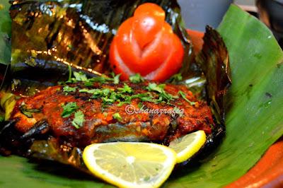 Meen Pullichattu | Fish cooked in banana leaves