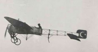 ay yıldızlı Türk uçağı