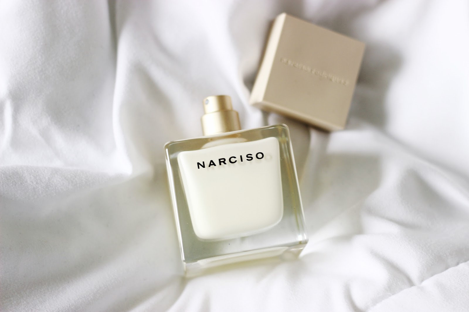 review narciso rodriguez narciso eau de parfum laura neuzeth. Black Bedroom Furniture Sets. Home Design Ideas