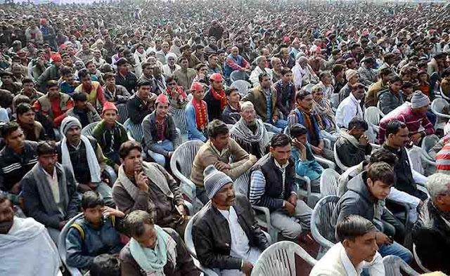 प्रधानमंत्री नरेंद्र मोदी की चोटीला में हुई रैली में भी हजारों लोग शामिल हुए। इन लोगों में से कुछ लोग ऐसे भी थे जो पिछले महीने कांग्रेस उपाध्यक्ष राहुल गाँधी के रोड़ शो में भी गए थे।