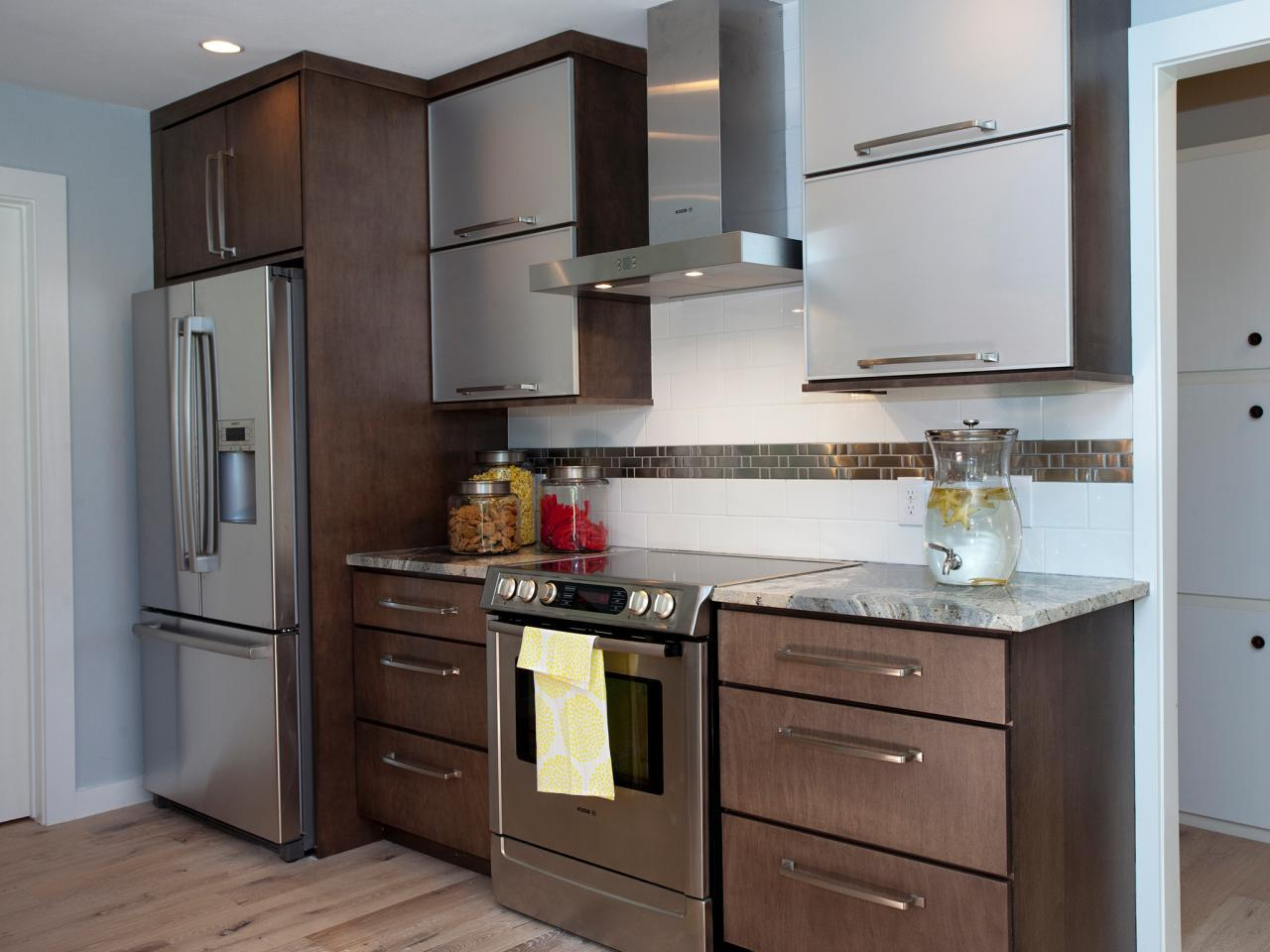 Metal kitchen cabinets manufacturers ideas kitchen for Kitchen cabinet companies