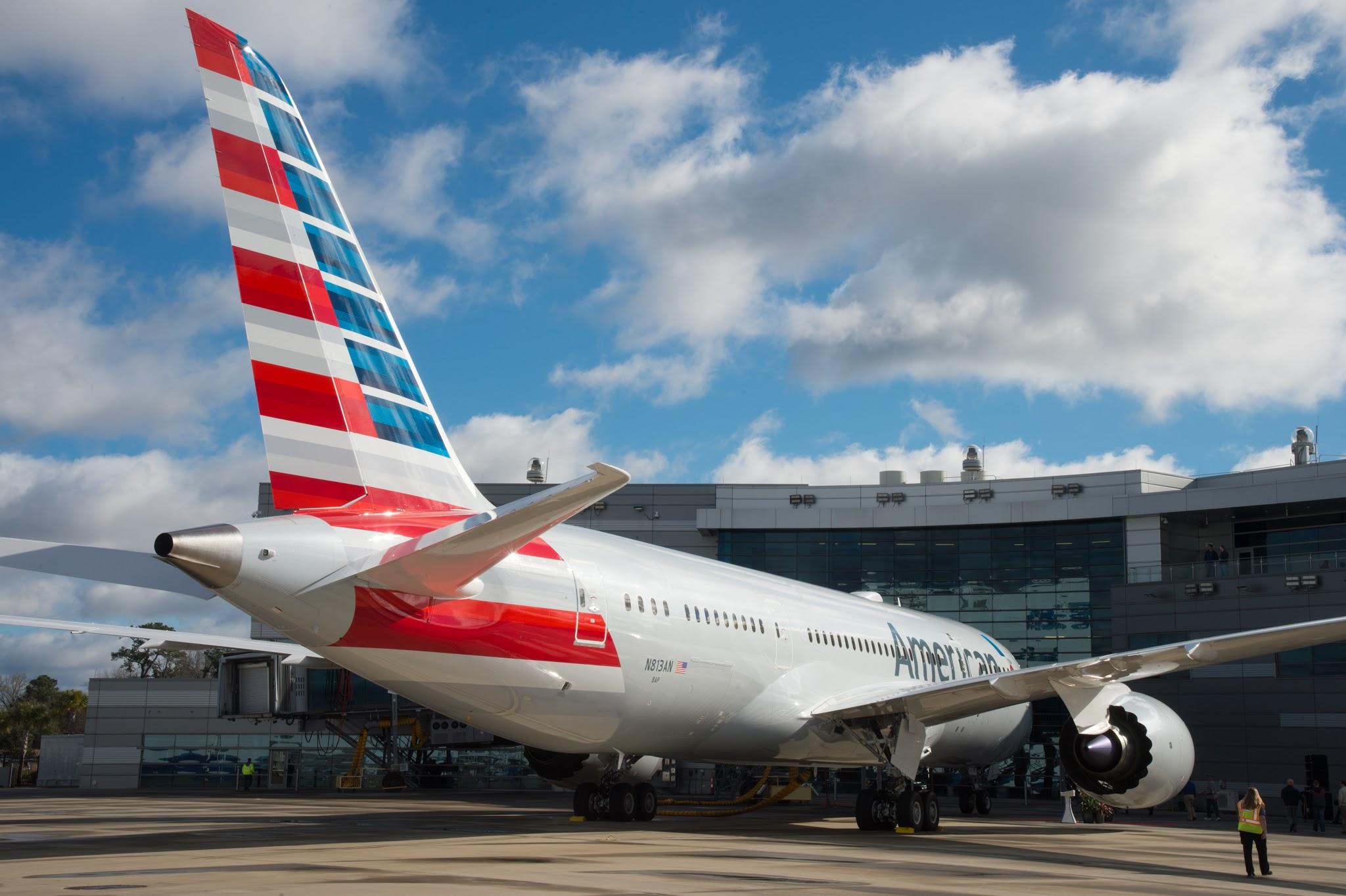 Boeing da Carolina do Sul entrega o 100º Boeing 787 para American Airlines