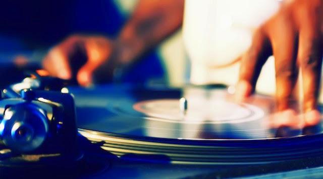 Mortal FM Musica electronica, dembow y regueton