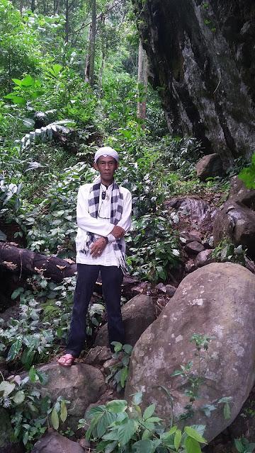 Eyang Mundinglaya Dikusumah Jeung Balung Tunggal Sumare di Gunung Sangkanjaya?