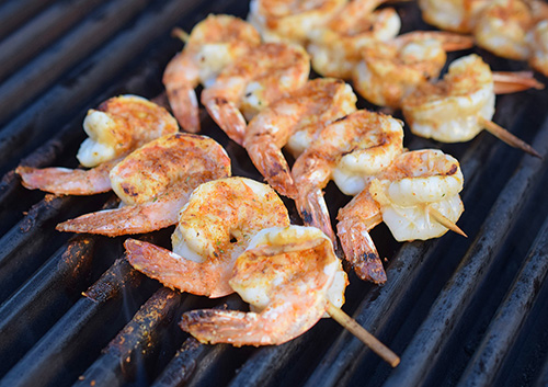 Grilling shrimp on a SABER Grills 1500 Elite SSE