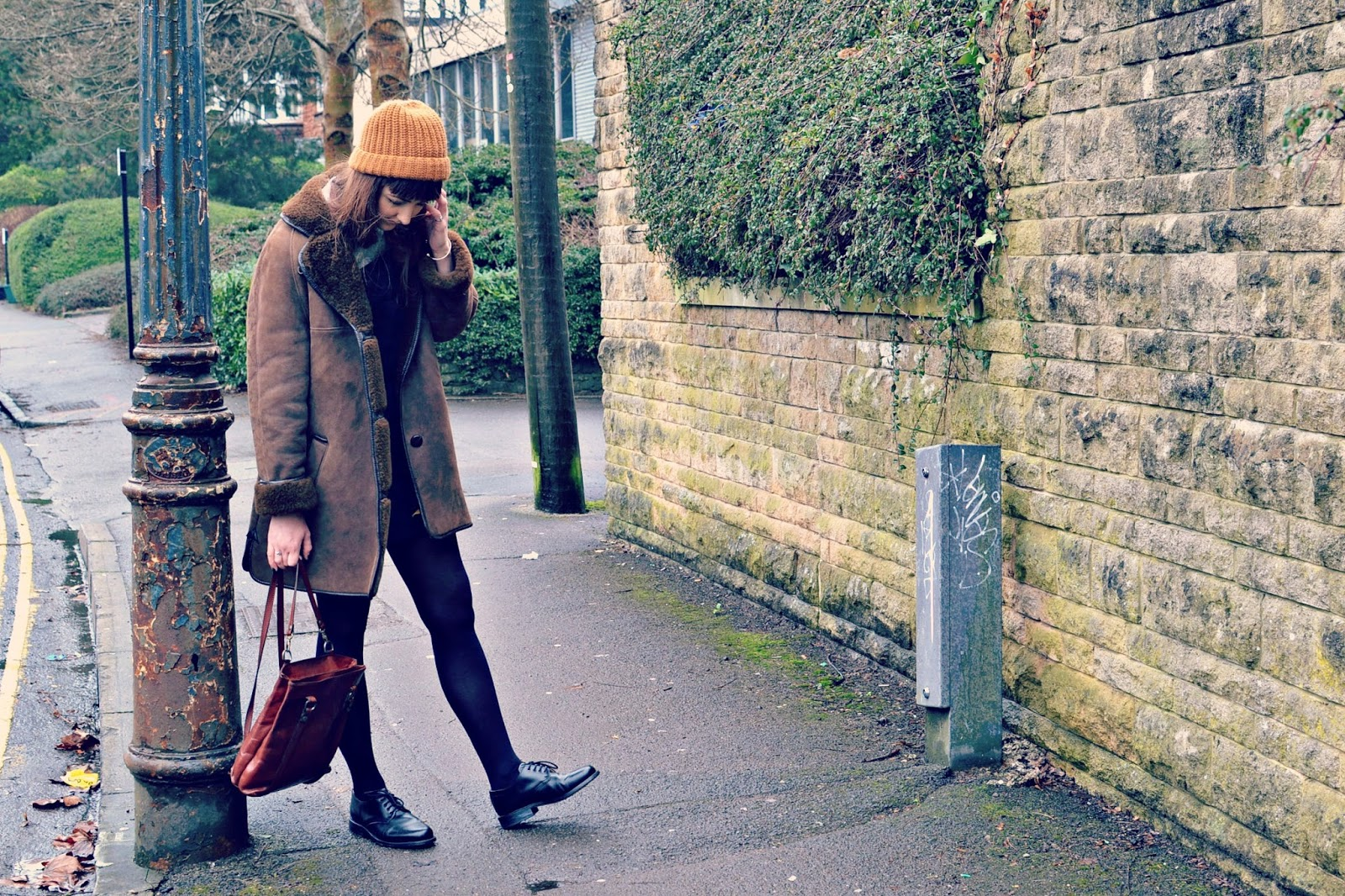 vintage sheepskin coat, vintage back pack, fashion, fashion blogger, ootd