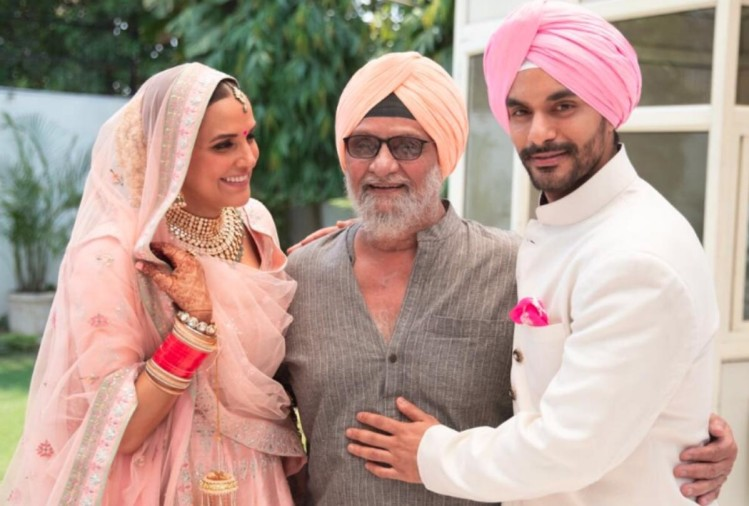 neha dhupia with father-in-law