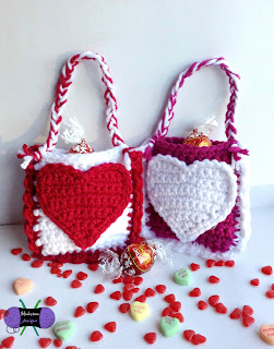 http://blackstonedesigns.blogspot.com/2015/01/valentine-day-mini-treat-bags.html