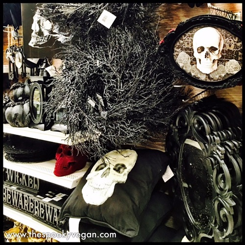 lots of gold and platinum skulls - Halloween Michaels