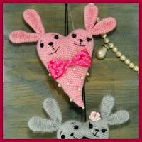 Conejitos corazón amigurumis