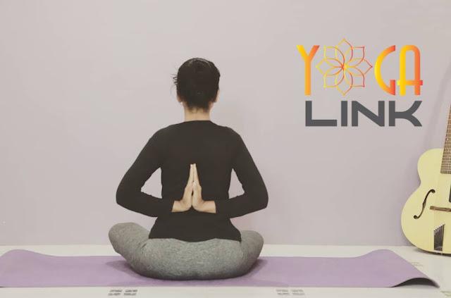 Mỗi ngày một tư thế Yoga || 28 Tư thế hoa sen tay chắp ngược