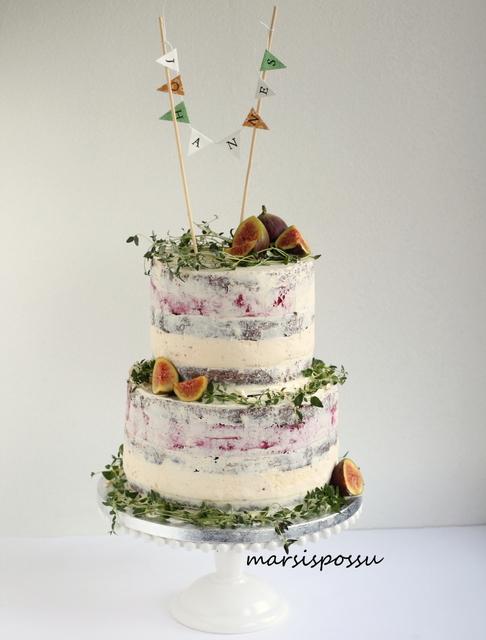 Naked cake ristiäisiin