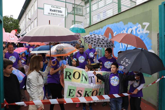 Marcha del colegio Rontegi en su 50 aniversario