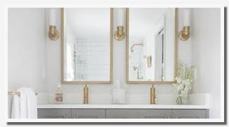 ideas to decorate my small bathroom