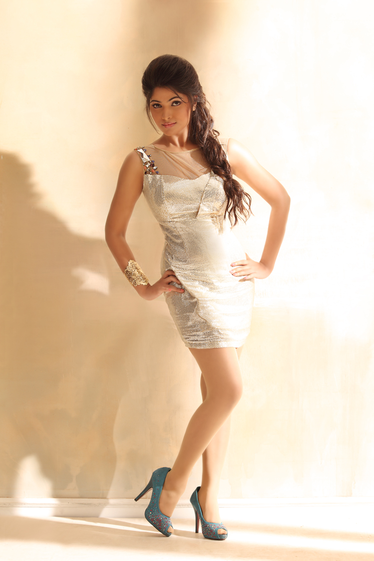 Stylish muktha new hot photo shoot stills