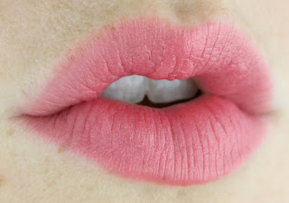 L'Oreal Collection Exclusive La Vie en Rose Lipstick in Eva's Delicate Rose review swatch swatches