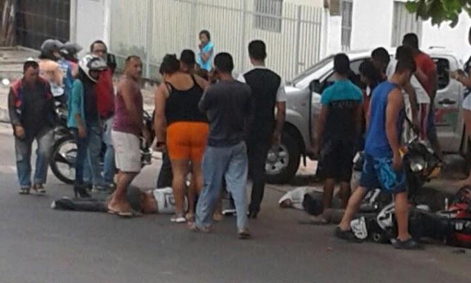 """CAMINHÃO DESGOVERNADO: Acidente no """"Pé da Ladeira"""" deixa um ferido e causa morte em Caxias"""