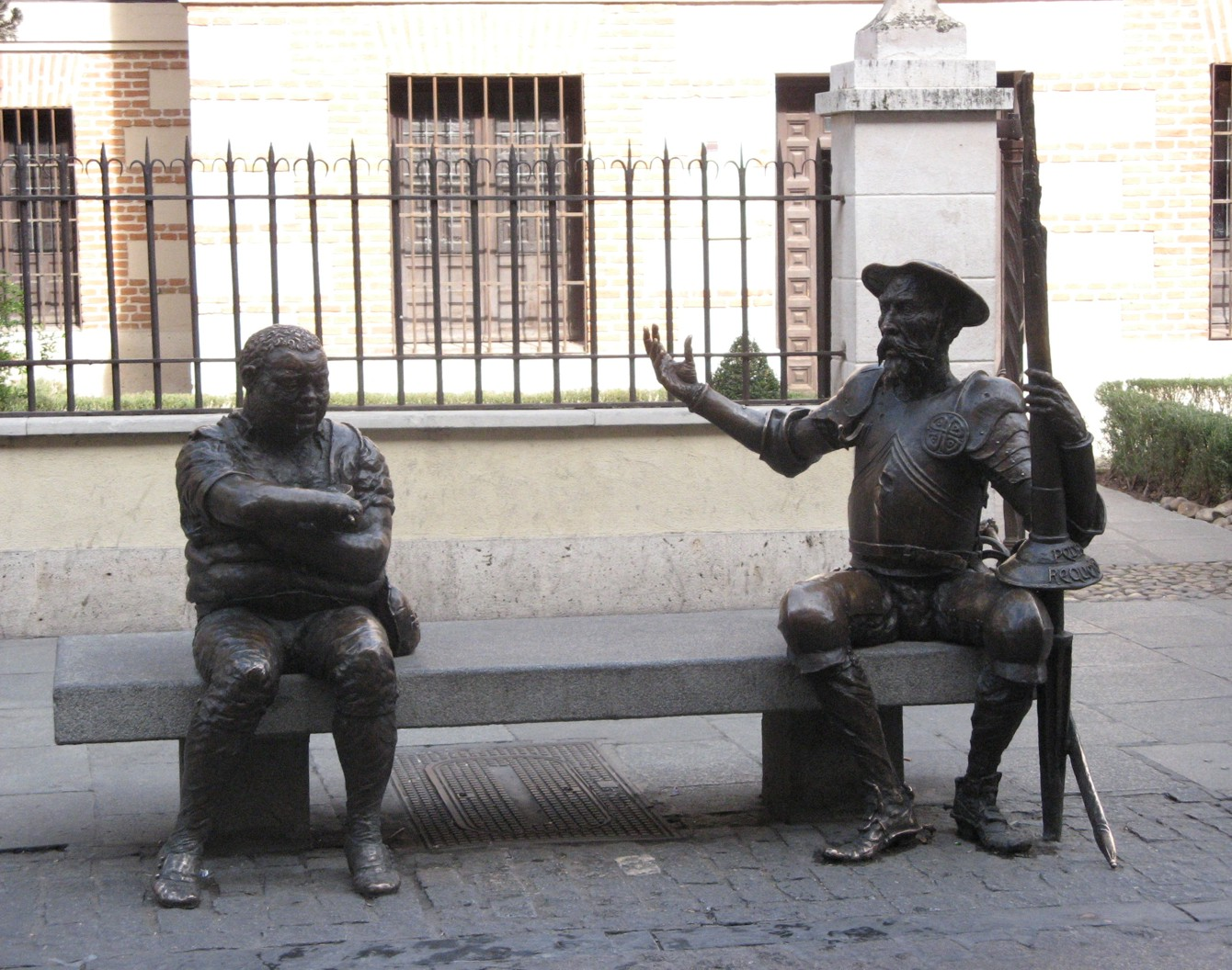 Statues Quo: Monumento a Don Quijote y Sancho (Monument à Don ...