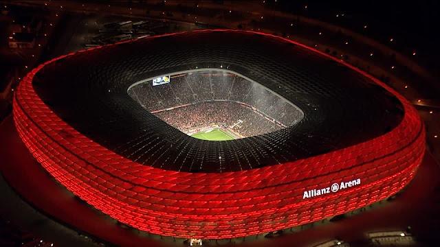 allianz arena iluminado