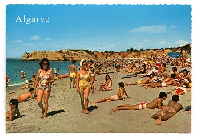 Beach bikini shows
