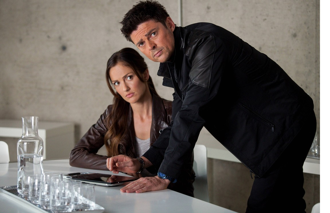 Watch Almost Human Season 1 Online for Free on 123Movie