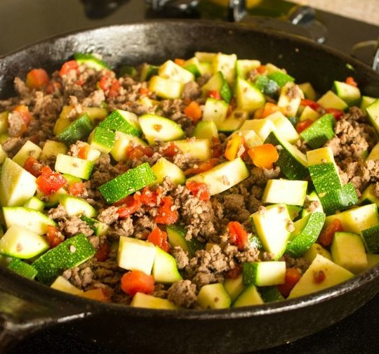MEXICAN ZUCCHINI AND BEEF SKILLET #Dinner #Beef