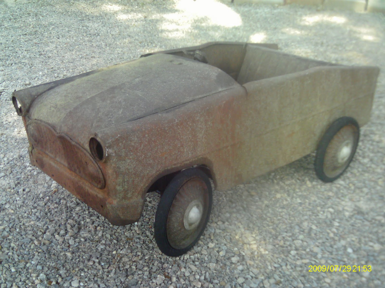 jouet ancien voiture a p dale simca en tole versailles beaulieu chambord r gence i. Black Bedroom Furniture Sets. Home Design Ideas