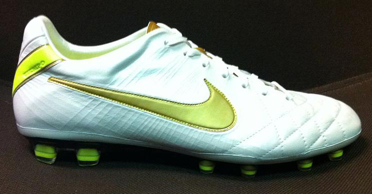 official photos 73c4f cb1ab Colorway Leaked: Nike to Release Nike Tiempo Legend 4 2019 ...